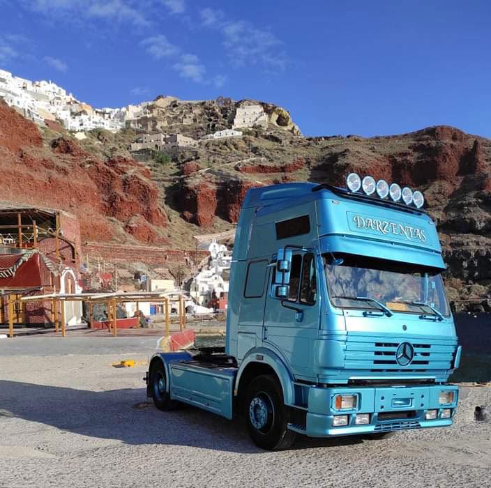 truck-santorini